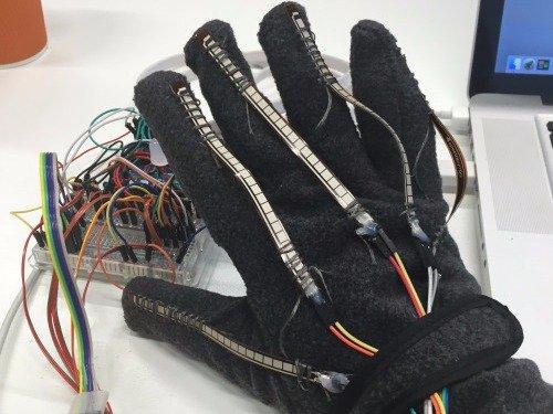 glove translate sign language